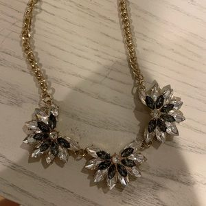 Francesca's Collections Jewelry - Francesca's floral statement necklace